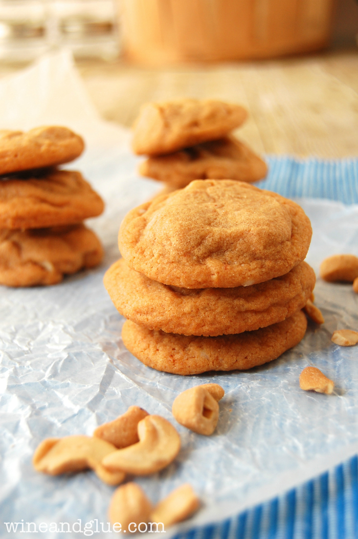 Caramel Cashew Cookies that are super simple to make, but so rich and ...