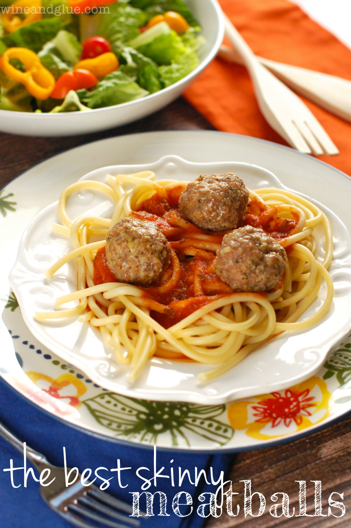 Healthy Meatballs | www.wineandglue.com | A family favorite, baked, and made with lean meat and ready in under 30 minutes!